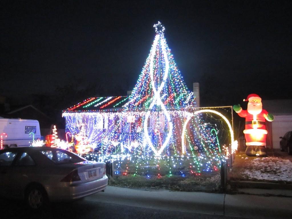 Orem Christmas Lights (near University Mall) - Utah\'s Adventure Family
