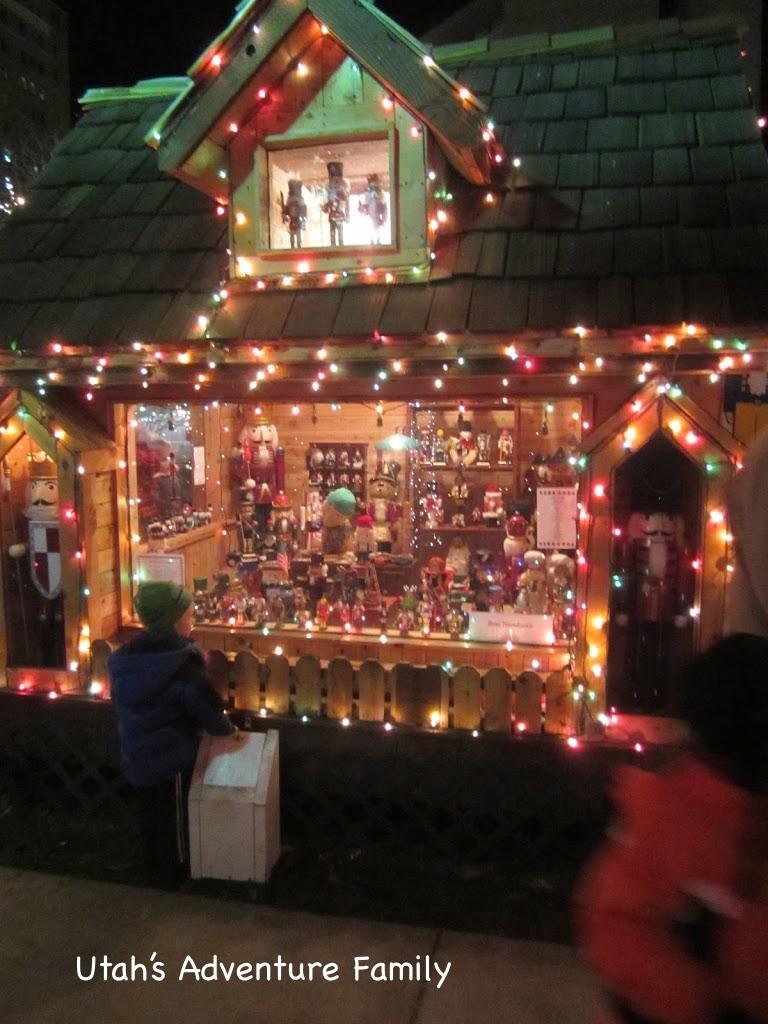 How Do You Hang Christmas Lights