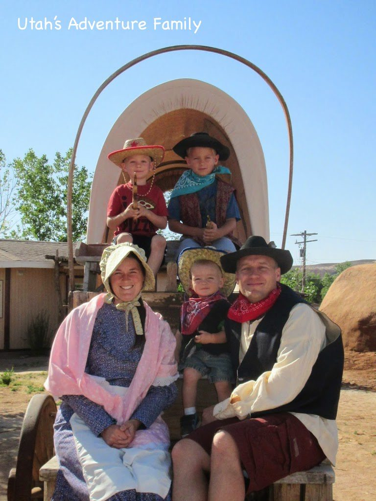 here are tons of pioneer clothes for everyone in your family to wear for a great family photo.