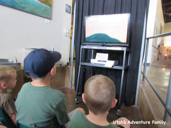 Kids watching intro video at Johnson Farm